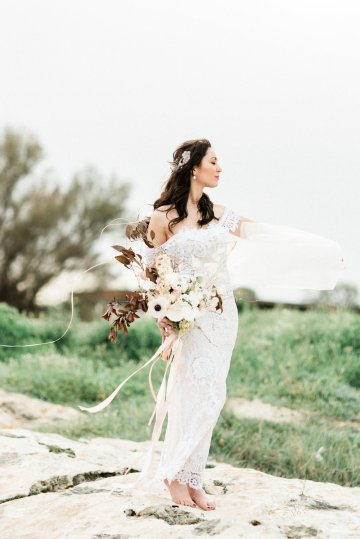 Organic and Foraged Romantic Puglia Wedding Inspiration – Lace and Luce 33