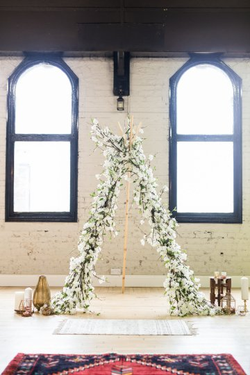 Trendy Loft Wedding Inspiration Featuring A Triangle Altar – Deluxe Blooms 14