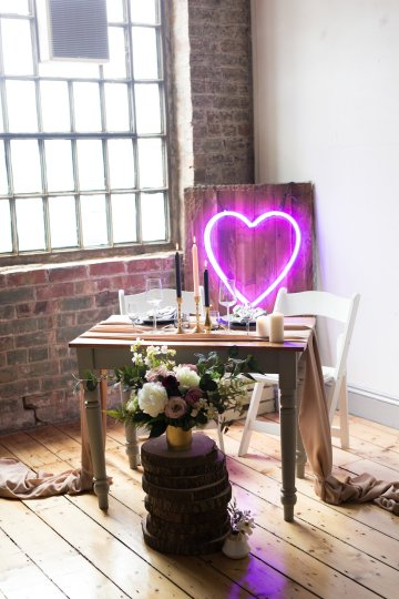 Trendy Loft Wedding Inspiration Featuring A Triangle Altar – Deluxe Blooms 44