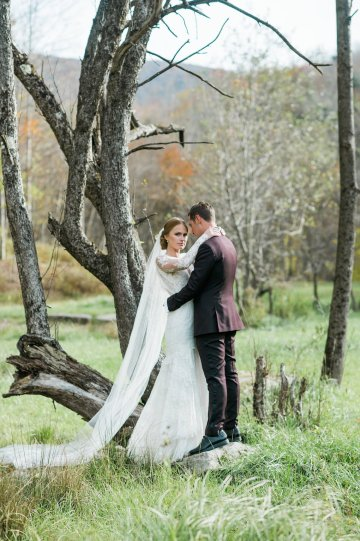 Warm Fall Catskills Wedding With Ceremony Sparklers – Christina Lilly Photography – Buds of Brooklyn 36