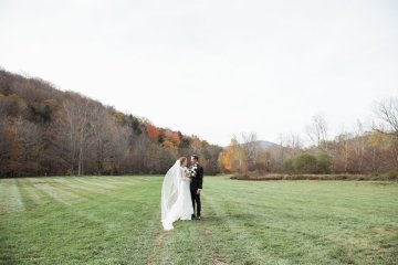 Warm Fall Catskills Wedding With Ceremony Sparklers – Christina Lilly Photography – Buds of Brooklyn 5