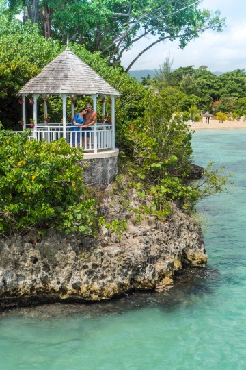 Four Jamaican Honeymoon Resorts We're Dying To Visit – Couples San Souci 4