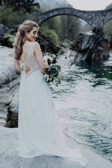 Misty Blue River Goddess Bridal Inspiration – Jaypeg Photography 24
