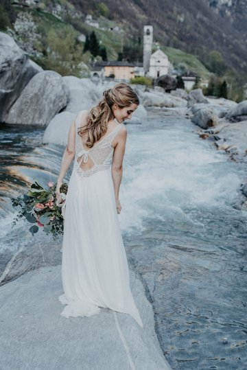 Misty Blue River Goddess Bridal Inspiration – Jaypeg Photography 25