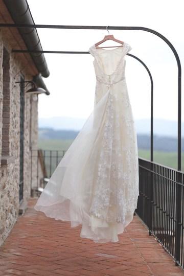 Rustic and Romatic Italian Wedding Inspiration From Tuscany – Tiziana Gallo 23