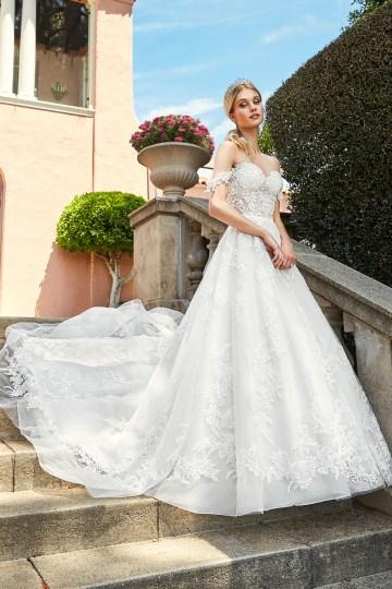 10 Stunning Wedding Dresses By Destination – Val Stefani Cortina Dress 1