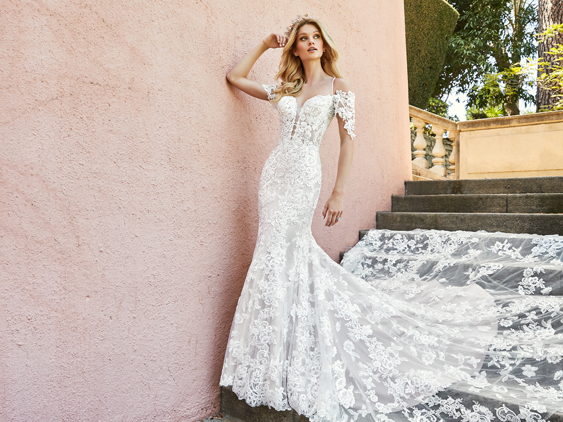 10 Stunning Wedding Dresses By Destination - Bridal Musings 2951ec4bc