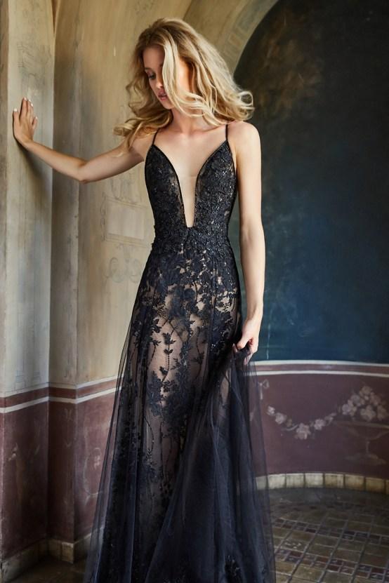 10 Stunning Wedding Dresses By Destination – Val Stefani Marina Dress 1