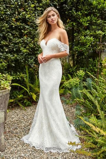 10 Stunning Wedding Dresses By Destination – Val Stefani Willow Dress 1