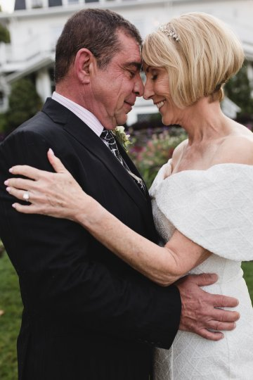 Intimate and Charming New England Bed and Breakfast Wedding – Juliana Montane Photography 29