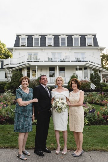 Intimate and Charming New England Bed and Breakfast Wedding – Juliana Montane Photography 31