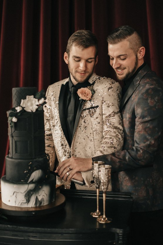 Luxe Mansion Wedding Inspiration Featuring Masculine Florals and Deep Tones – Alex Tenser – Swoon Soiree 13