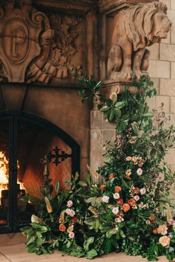 Luxe Mansion Wedding Inspiration Featuring Masculine Florals and Deep Tones – Alex Tenser – Swoon Soiree 33