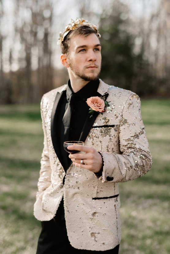 Luxe Mansion Wedding Inspiration Featuring Masculine Florals and Deep Tones – Alex Tenser – Swoon Soiree 47