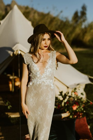 Bohemian Glamping Wedding and Proposal Inspiration – Lindie Wilton Photography 14