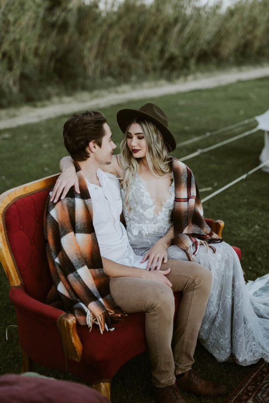 Bohemian Glamping Wedding and Proposal Inspiration – Lindie Wilton Photography 32