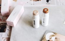 Luxe Holiday Gifts for the Bride Under $40 – Glossier Haloscope Highlighter