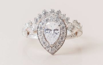 Stunning Etsy Engagement Rings for a Holiday Proposal – Roelavi Pear Shaped Crown Engagement Ring