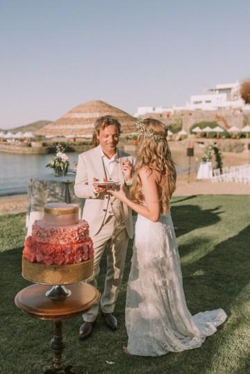 Boho Greek Island Wedding Featuring A Circle Floral Arch – Paulina Weddings 13