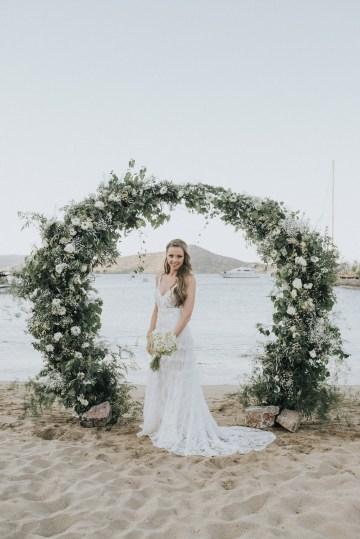 Boho Greek Island Wedding Featuring A Circle Floral Arch – Paulina Weddings 23