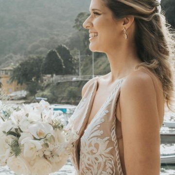 Epic Bohemian Wedding on a Tiny Island in Brazil – Val e Wander 21