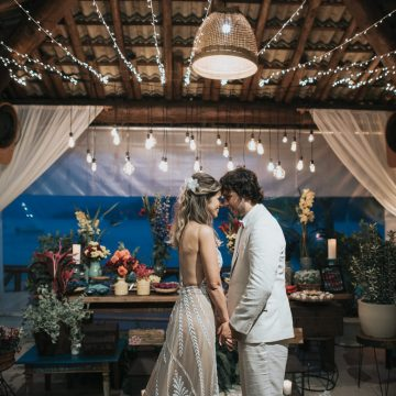Epic Bohemian Wedding on a Tiny Island in Brazil – Val e Wander 32