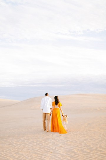 How to Style Your Engagement Session for the Perfect Save The Date – Minted Weddings 21