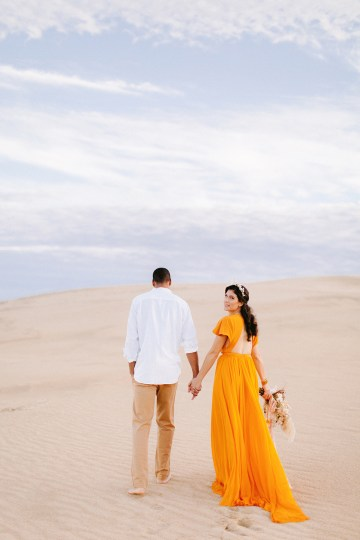 How to Style Your Engagement Session for the Perfect Save The Date – Minted Weddings 24