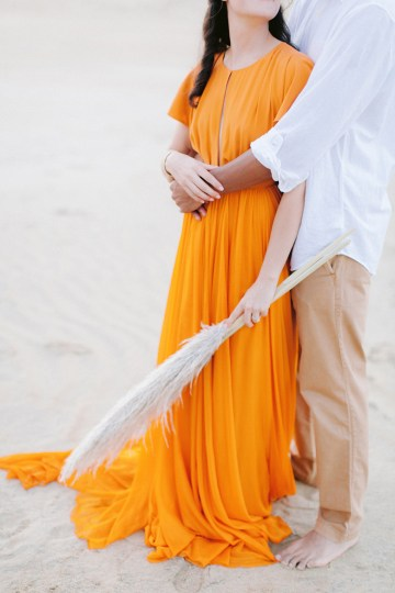 How to Style Your Engagement Session for the Perfect Save The Date – Minted Weddings 33