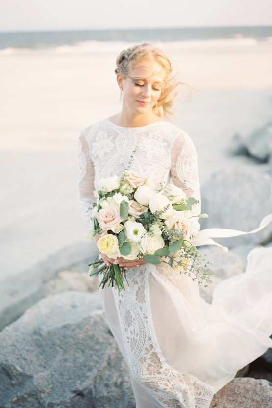 Intimate Southern Boho Beach Wedding in Charleston – Ava Moore Photography 27