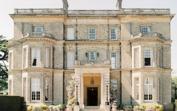 Top Tips For Choosing A Wedding Venue From An Engaged Wedding Planner