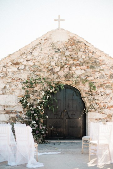 Luxurious Wedding Inspiration From An Ancient Greek Chapel – Nina Wernicke 7