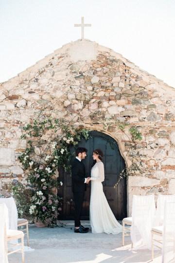 Luxurious Wedding Inspiration From An Ancient Greek Chapel – Nina Wernicke 8