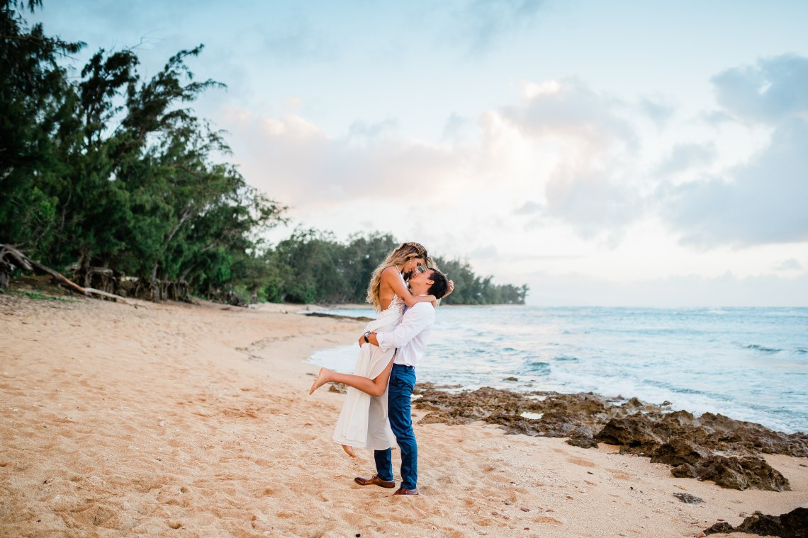Playful and Intimate North Shore Oahu Beach Wedding – Chelsea Stratso Photography 10