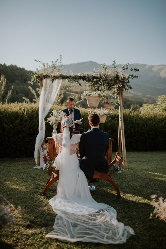 Romantic and Fashionable Spanish Boho Wedding – Javier Berenguer 24