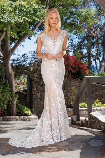 6 Stunning Lace Wedding Dresses By Casablanca Bridal – 2357 Aubrey-FRONT