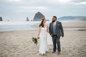 Cannon Beach Bonfire Wedding With Smores – Marina Goktas Photography 10