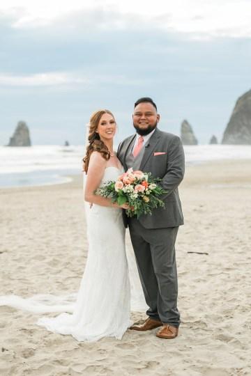 Cannon Beach Bonfire Wedding With Smores – Marina Goktas Photography 21