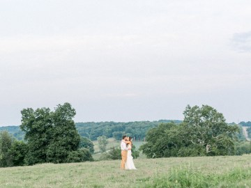 Eclectic Detail-filled Ohio Farm Wedding with a Donut Wall and Espresso Cart – Mandy Ford Photography 3