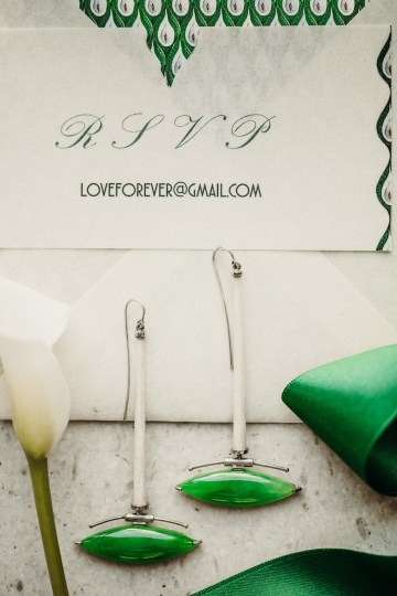 Sleek and Sexy Modern Wedding Inspiration in Emerald – Marcella Cistola 37
