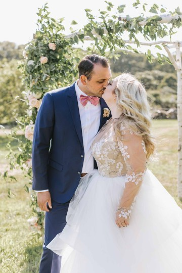 Cheery Marthas Vineyard Summer Wedding – Lena Mirisola Weddings 27
