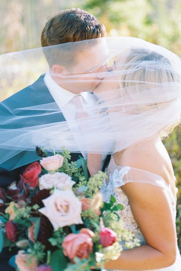 Colorful Colorado Wedding with Stunning Mountain Views – Callie Hobbs – Banks and Leaf 24