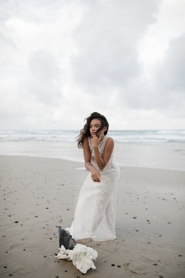 Effortlessly Cool Lava Rock Beach Wedding Inspiration in Byron Bay – Megan Kelly Photo 23