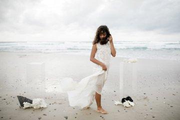 Effortlessly Cool Lava Rock Beach Wedding Inspiration in Byron Bay – Megan Kelly Photo 35