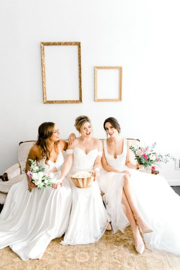 Monica Phoebe and Rachel Friends Bridal Inspiration – Lora Grady Photography 10