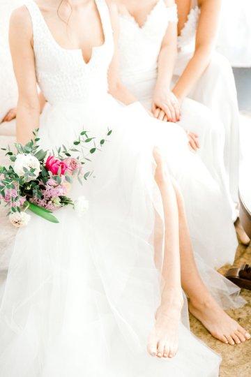 Monica Phoebe and Rachel Friends Bridal Inspiration – Lora Grady Photography 12