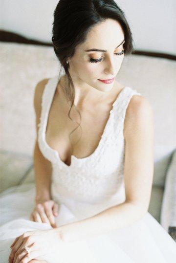 Monica Phoebe and Rachel Friends Bridal Inspiration – Lora Grady Photography 31
