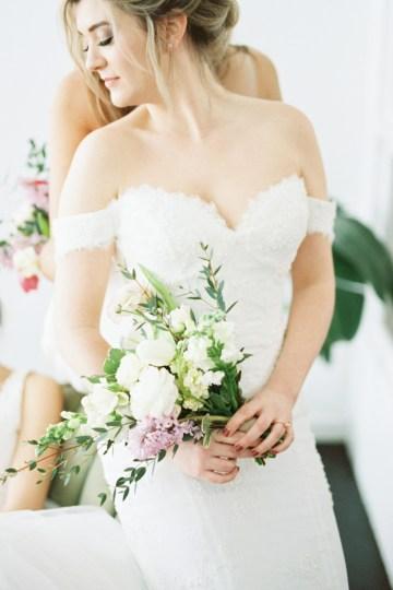 Monica Phoebe and Rachel Friends Bridal Inspiration – Lora Grady Photography 38