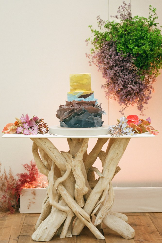 28 Summer Wedding Cakes That Speak To The Season