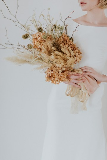 Dried Florals and Modern Minimalistic Wedding Inspiration – Maja Tsolo Photography 15
